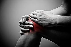 Что делать если болит колено после тренировки гельминты и суставы